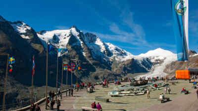Touristen auf der Kaiser-Franz-Josefs-Höhe