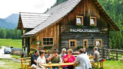 Steigerhütte, Gemütlichkeit entlang der Nockalmstraße