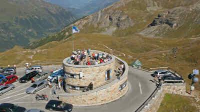 Touristen auf der Edelweißspitze